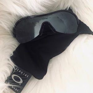 Oakley Endure 09-801 Sunglasses